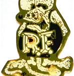 Rat Fink in black-pin